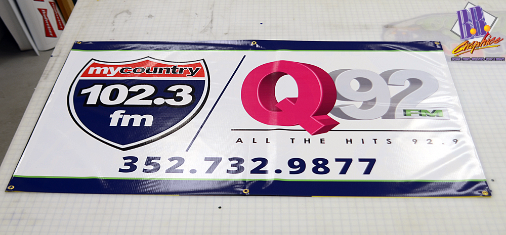 Tchs sponsor banner bb graphics the wrap pros for Banner wrap