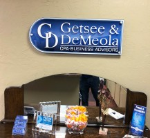 Getsee and Demeola